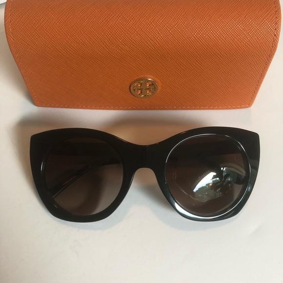 addb1b1efa9 Tory Burch Women s TY7097 Cat Eye Sunglasses. M 5afaf26b2ae12f9766a8b2dc